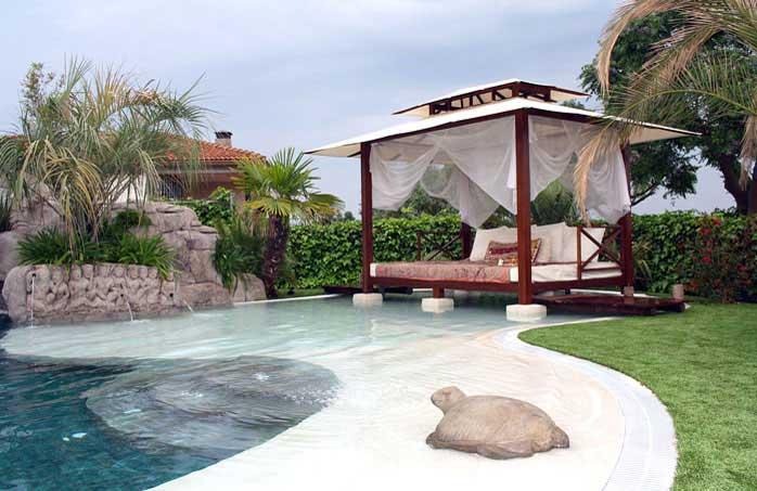 Piscinas de arena construcci n de piscinas tipo playa for Modelos de piscinas con jacuzzi