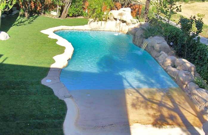 Piscinas de arena construcci n de piscinas tipo playa for Construccion albercas naturales