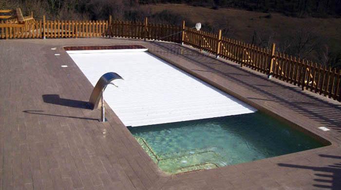 Piscines d 39 obra construcci de piscines a mida for Piscinas pequenas de obra